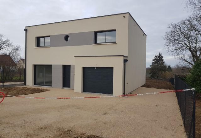 MAISON NEUVE A VENDRE SUR AMILLY QUARTIER SAINT FIRMIN 130 m² HABITABLE+ 17 M² GARAGE + 28 M² TERRASSE